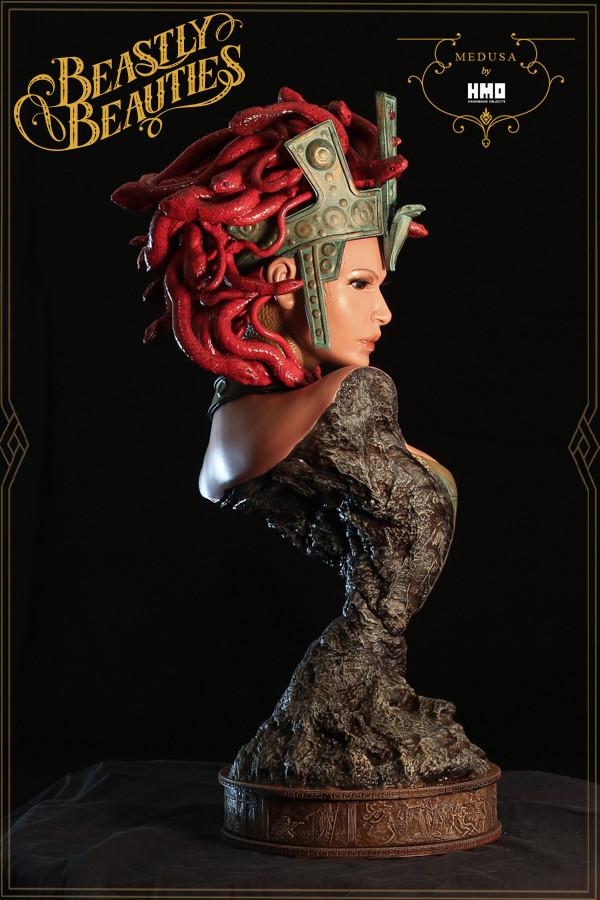 [Bild: HMO-Medusa-8-600x900.jpg]