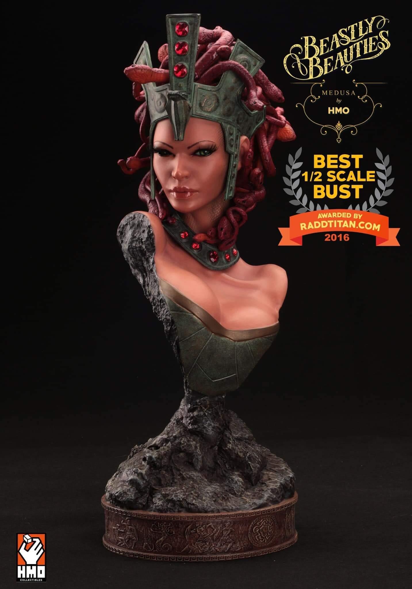 Medusa Bags Raddtitan's Best 1/2 Scale Bust Award